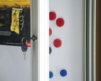 Panneau d'affichage magnétique