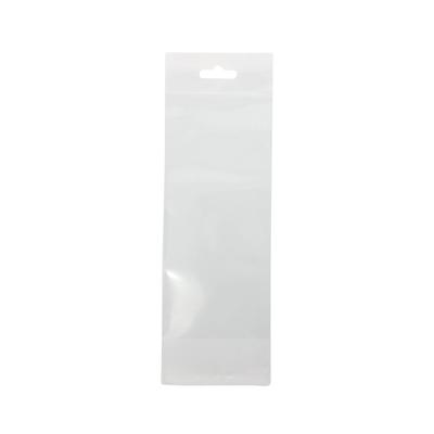 Sachets plastique à fermeture adhésive + trou