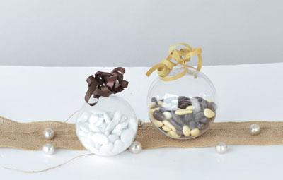 Boules en plastique à garnir