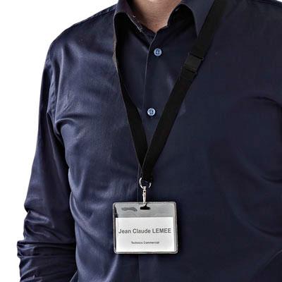 Badge avec lacet de sécurité